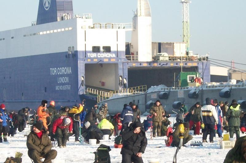 Šventinę dieną žvejai Klaipėdoje paralyžavo eismą