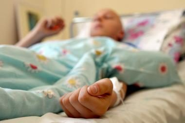 Dėl kelių šimtų litų ligoniai popieriuose tampa slaugytojais