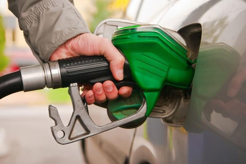 Kokia mažinamo akcizo įtaka benzino kainai?