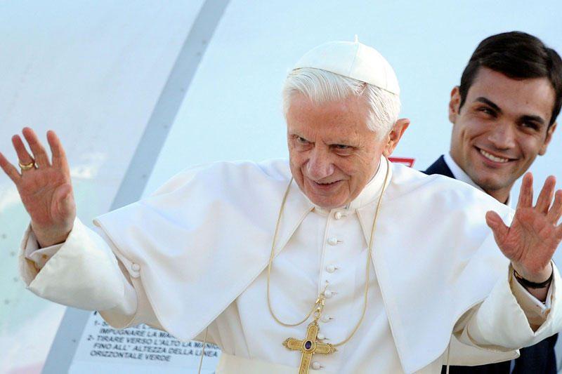 Popiežius vyksta į Milaną propaguoti tradicinių šeimos vertybių