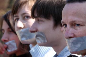 Rumunijos politikai nori uždrausti blogas naujienas