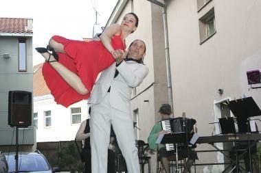 Filosofai degs molį ir mokysis tango