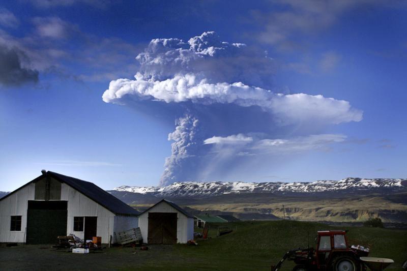 Dideli ugnikalnių išsiveržimai gali išgraužti ozono sluoksnį