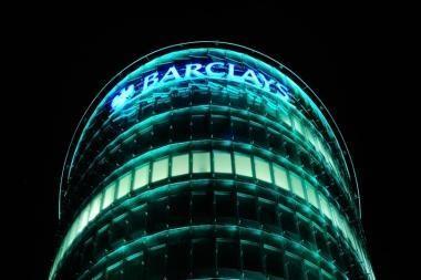 """""""Barclays"""" užpuolė internetiniai sukčiai"""