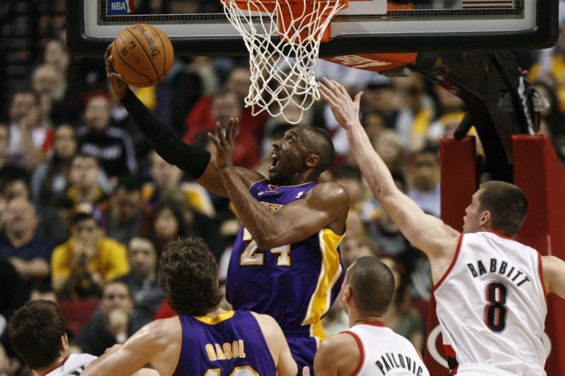 """Rezultatyvumu pratrūkęs K. Bryantas toliau tempia """"Lakers"""" vežimą"""
