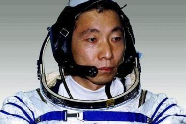 Kinijos astronautai ir kosmose nepamiršta šunienos