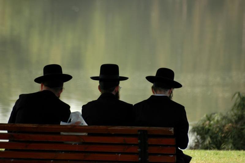 Dėl kompensacijų žydams rabinas net pažeidė taisyklę neiti iš sinagogos per šventę
