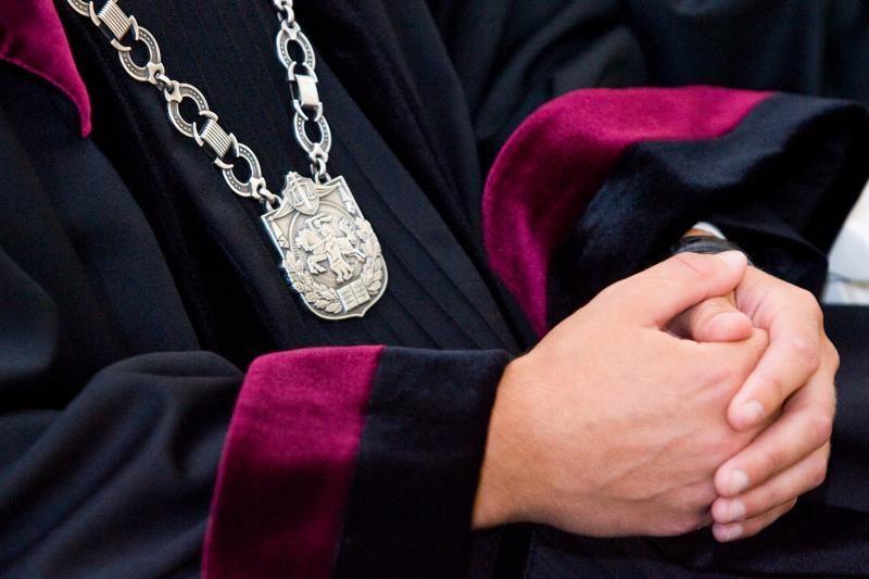 Teismui perduota 26 tomų Palangos kredito unijos baudžiamoji byla