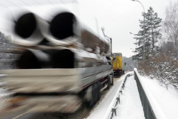 Lietuvoje eismo sąlygas sunkina šlapdriba