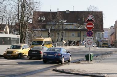 Vairuotojams Tiltų gatvė bus atvira iki balandžio