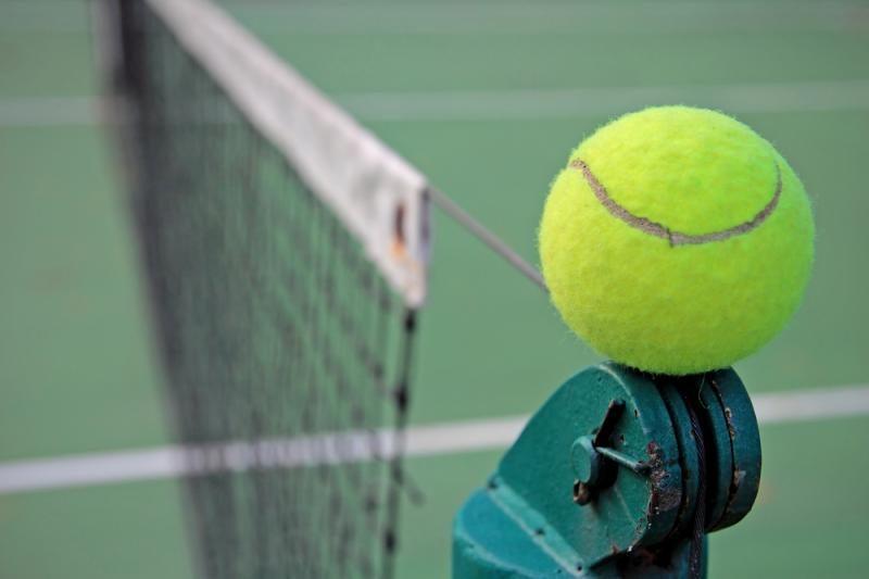 Favoritai iškopė į tarptautinio teniso turnyro pusfinalius