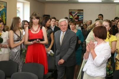V.Adamkus sveikino abiturientus Žemaitijoje