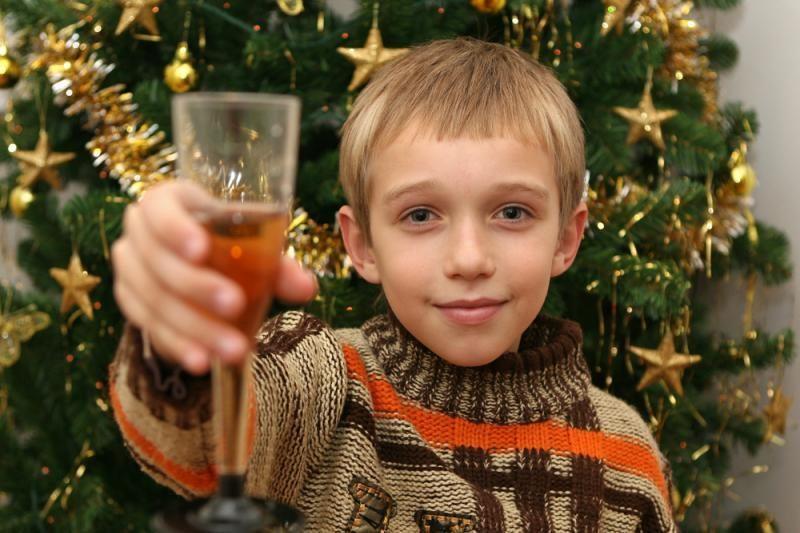 """Vaikų """"šventės"""": aštuonmečiui nustatytas beveik 2 promilių girtumas"""