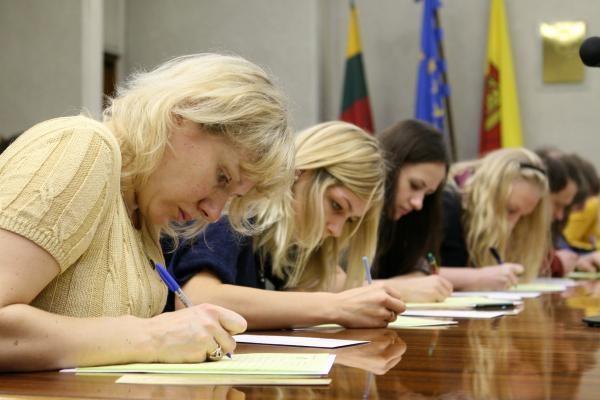 Nacionalinį diktantą Lietuvoje rašė gerokai mažiau žmonių nei pernai