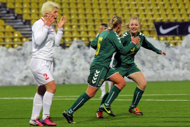 Moterų rinktinė garbingai debiutavo atrankoje į pasaulio čempionatą