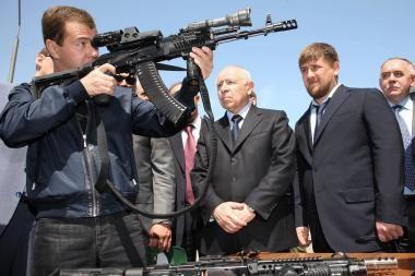 D.Medvedevas įspėjo dėl naujų ginklavimosi varžybų