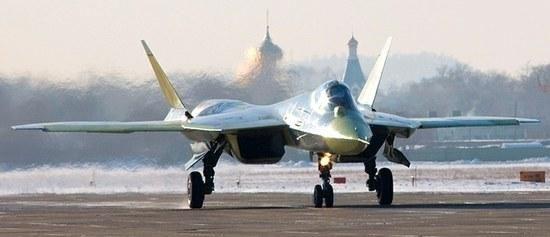 Iranas pagamino naują bepilotį žvalgybos lėktuvą