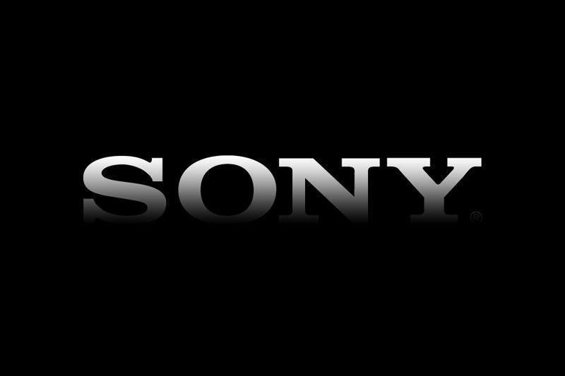"""""""Sony"""" bandys pasiūlyti """"įperkamą"""" išmanųjį telefoną su 5 colių ekranu"""