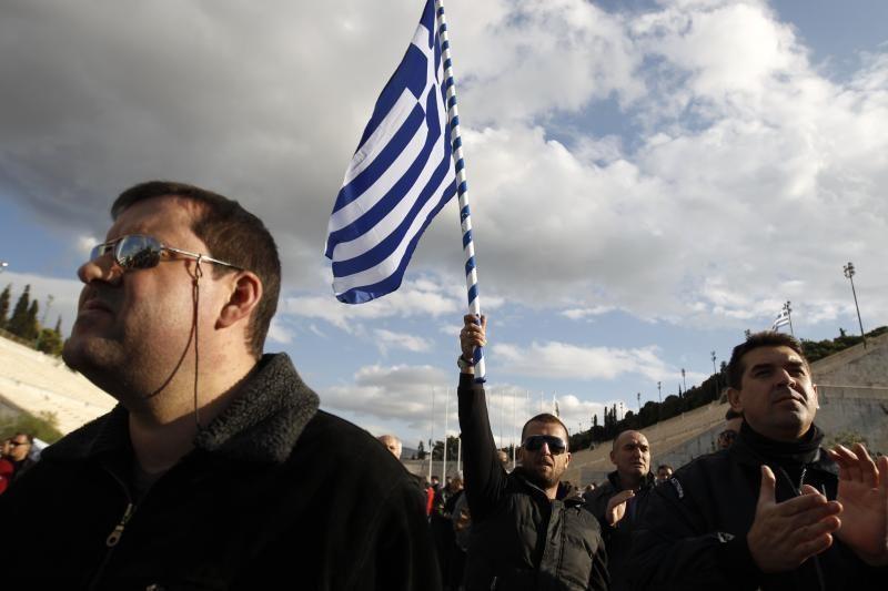 Graikijos siūlymas surengti referendumą sudrebino euro zoną