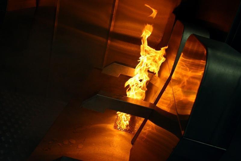 Gesindamas gaisrą buto šeimininkas apdegė 90 proc. kūno