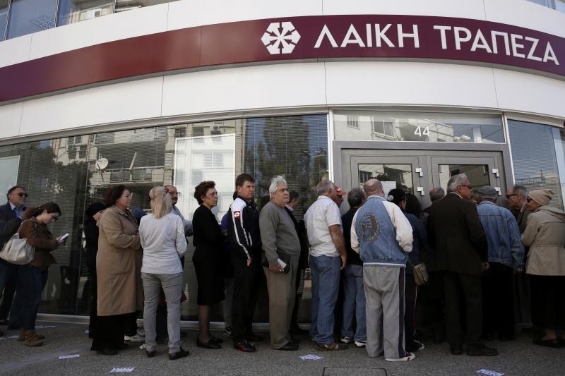 Kipras sudarė komisiją bankininkystės krizės aplinkybėms ištirti