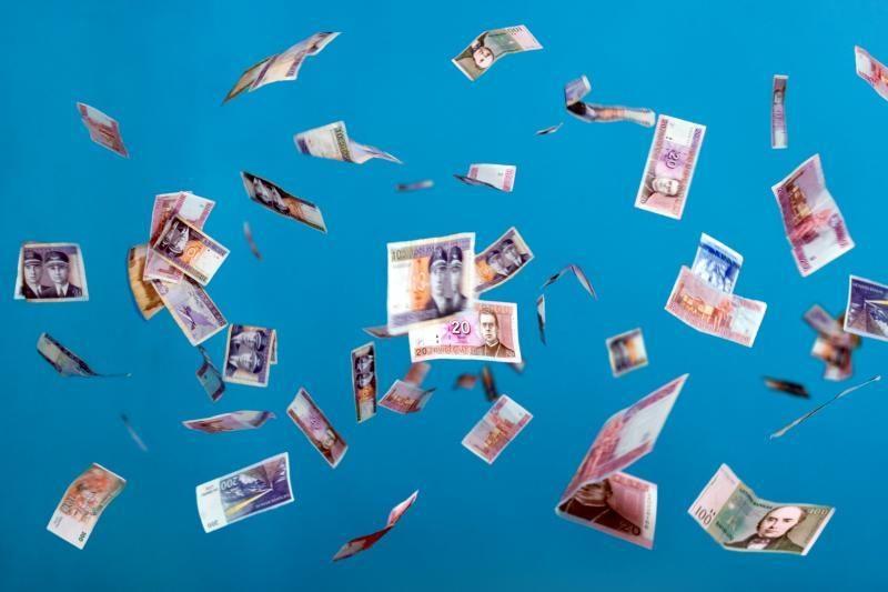 Šimtus tūkstančių litų pasisavinusi finansininkė pasislėpė užsienyje