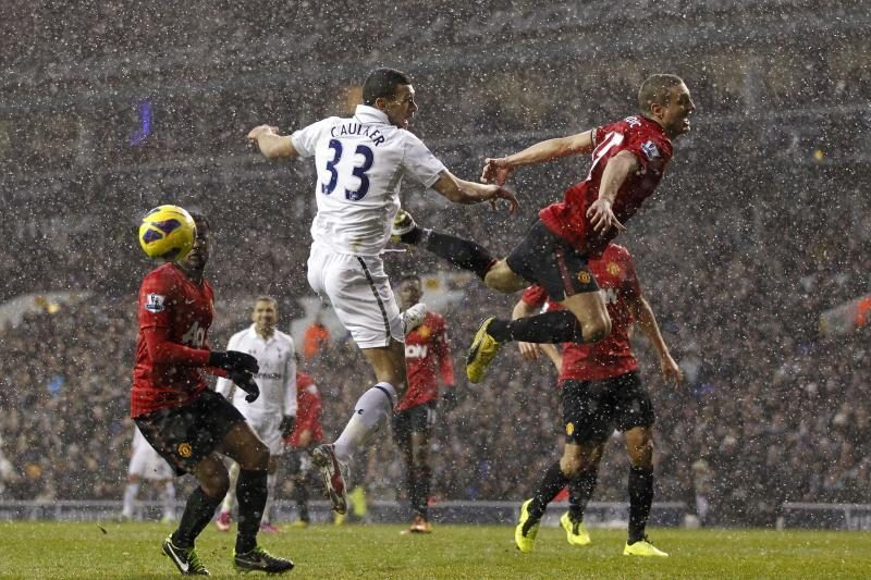 "Premier lyga: ""Tottenham"" atėmė 2 taškus iš ""Manchester United"""