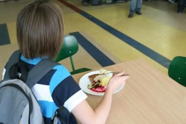 Vienoje Ukrainos mokykloje maistu apsinuodijo beveik 60 vaikų