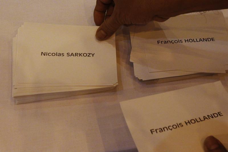 Prancūzijoje prasidėjo antrasis prezidento rinkimų turas
