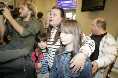Tęsiasi lietuvių evakuacija iš konflikto zonos