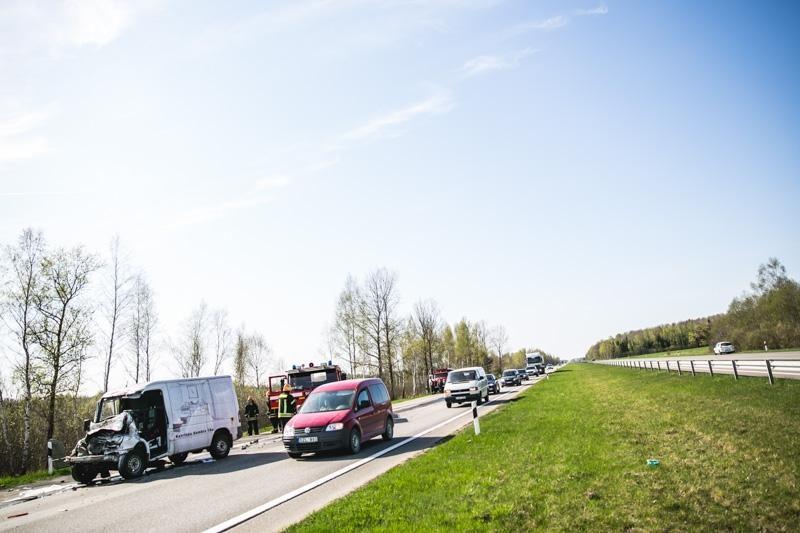 Per savaitę keliuose žuvo trys vairuotojai ir dviratininkas