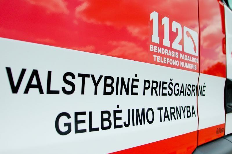 Vilniuje garažuose liejasi benzinas (yra sprogimo pavojus)