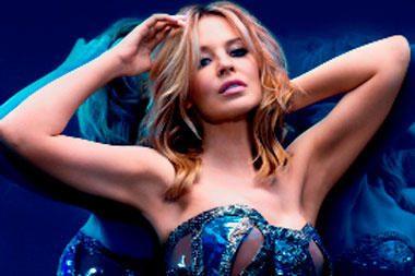 Kylie Minogue užpakaliukas privertė aikčioti britus