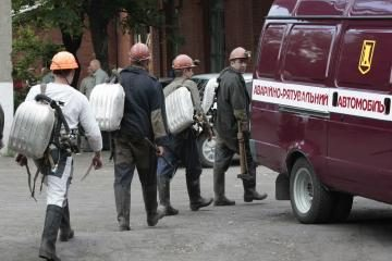 Ukrainoje išgelbėti 23 angliakasiai