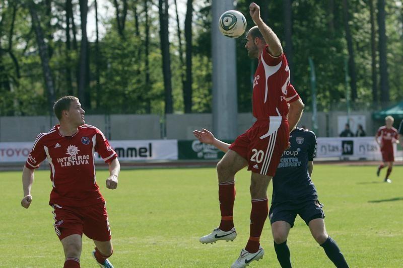 Lietuvos futbolo A lygos lyderis prarado taškus Pakruojyje
