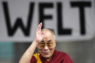 Dalai Lama paragino nutraukti smurtą
