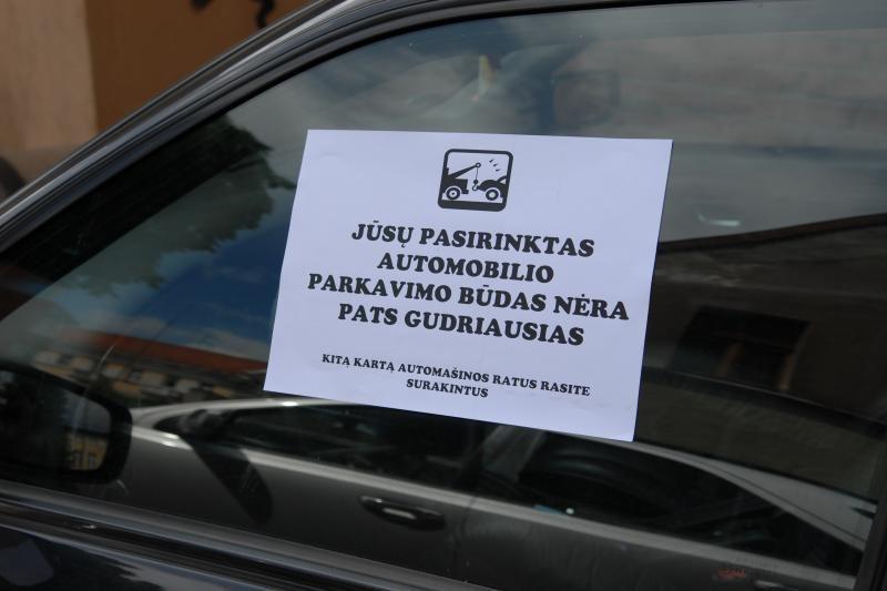 Klaipėdos policija prašo vairuotojų atsitokėti