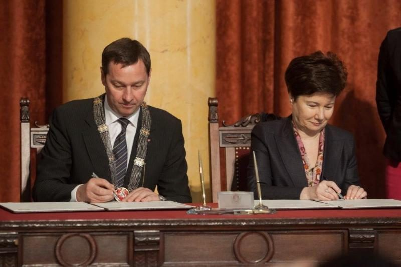 Vilnius ir Varšuva pasirašė susigiminiavimo deklaraciją