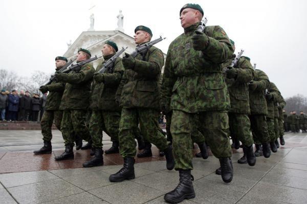 Didžiųjų miestų gyventojai nesutinka, kad finansavimas kariuomenei didėtų