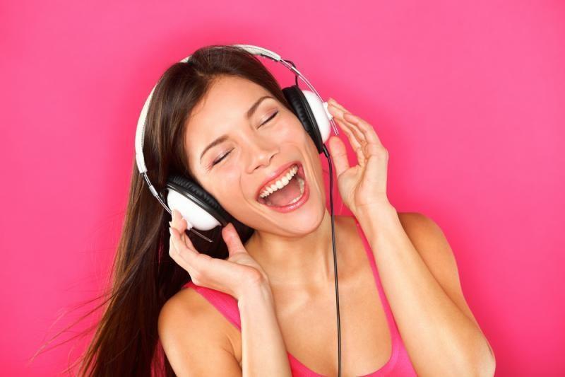Geriausios dainos romantiškam savaitgaliui (TOP 5)