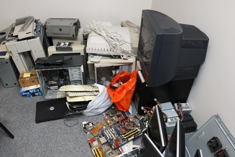 JAV pateikė kaltinimus Rusijai dėl elektronikos kontrabandos