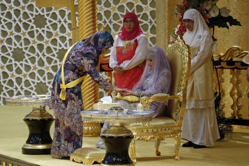 Turtingasis Brunėjus rengiasi karališkosioms vestuvėms
