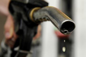 Vasarą benzinas gali kainuoti net 5 litus