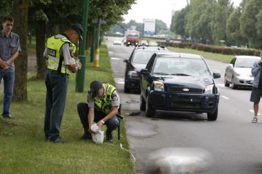 Klaipėdoje žuvo perėjoje mašinos nublokšta moteris (papildyta)