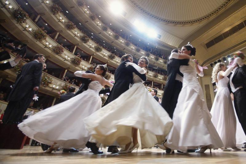 Vienos operos pokylyje persipynė kultūra ir žavesys