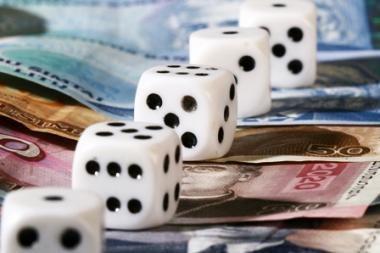 Vyriausybė tikina: gerinamos skolinimosi sąlygos verslui