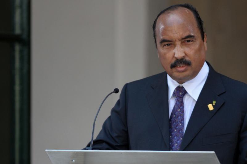 Mauritanijos prezidentą atsitiktinai kliudė armijos kulka (papildyta)