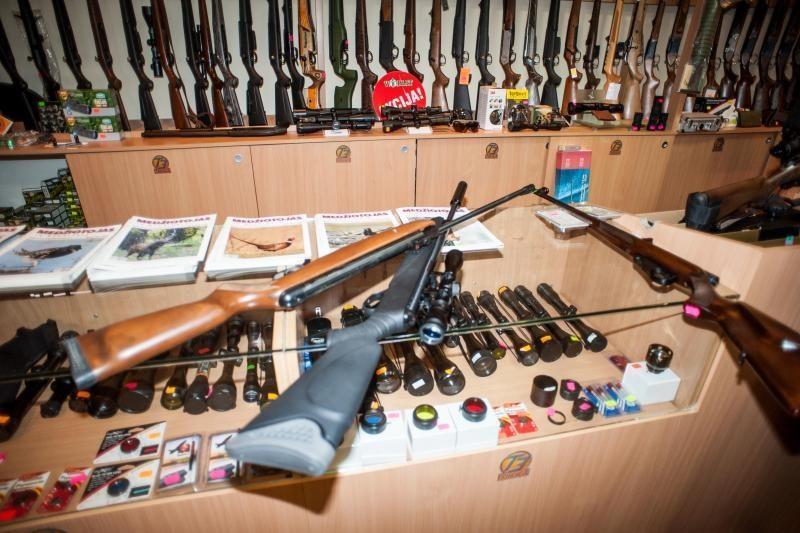 Rumšiškėse iš seifo pavogti medžiokliniai ginklai