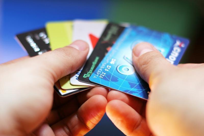 Už nesunkius KET pažeidimus bus galima sumokėti vietoje banko kortele