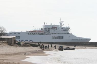 Dėl atšauktų skrydžių - jūrų keltuose keleivių antplūdis
